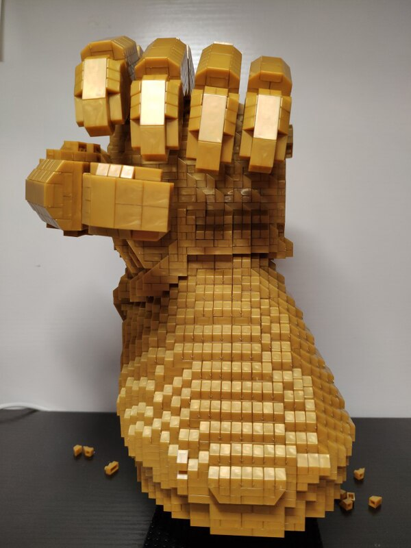 PZX 8831-8 Large Avengers Thanos Infinity Gauntlet